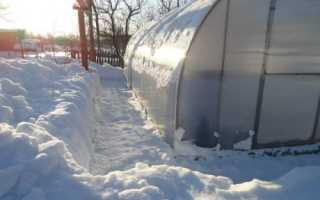 Как весной ускорить прогревание грунта в теплице без дополнительных затрат