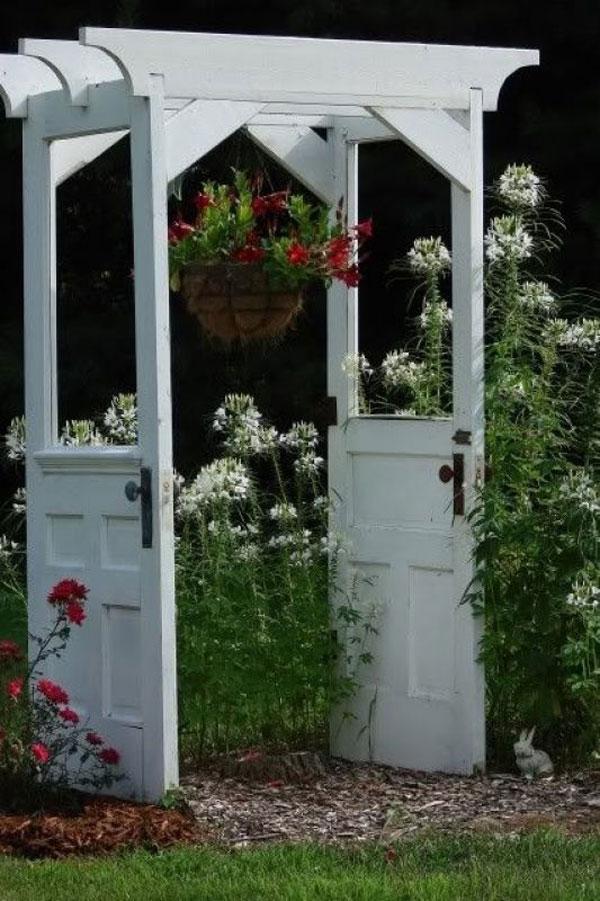 Пергола из дверных полотен