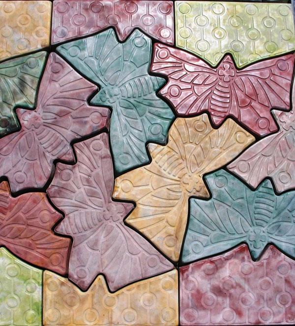 Разноцветная плитка бабочка