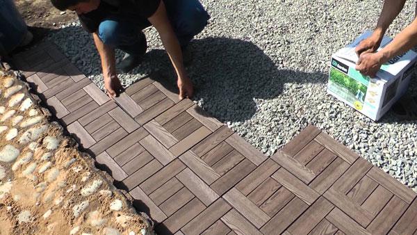 Укладка плитки на подушку из гравия
