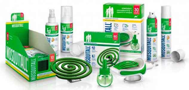 На фото набор популярных средств для борьбы с комарами