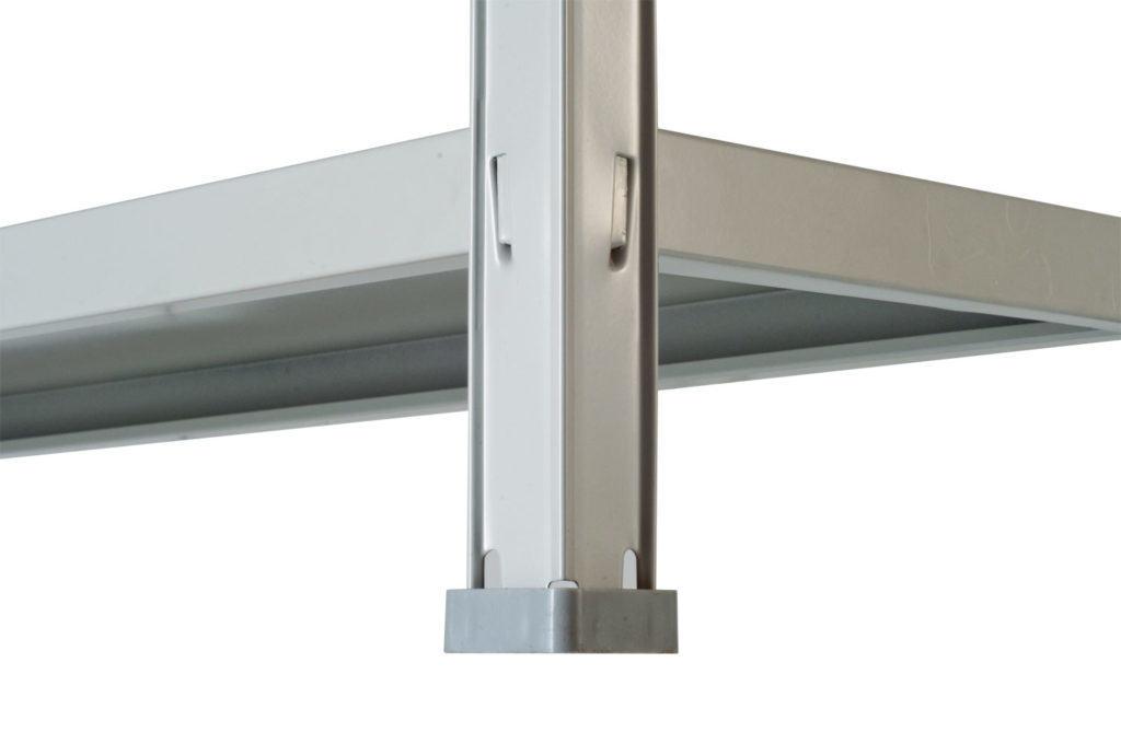 Принцип соединения деталей у металлического стеллажа